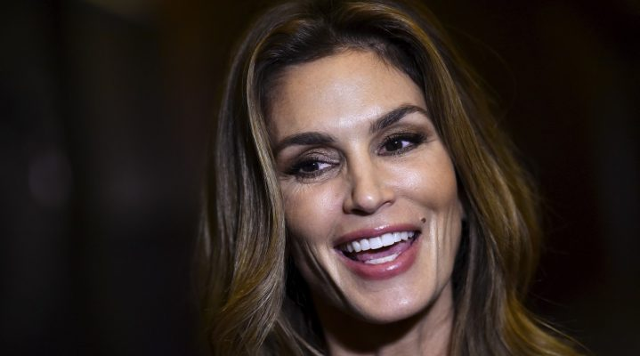 Cindy Crawford Meaningful Beauty