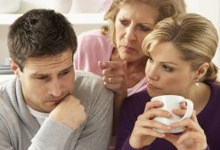 How a Wife Can Cope With an Overbearing Mother-In-Law