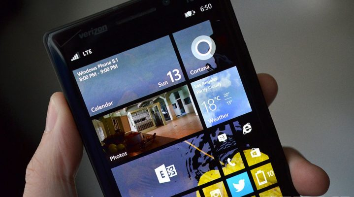 Will Windows Mobile 7 Resuscitate Microsoft?